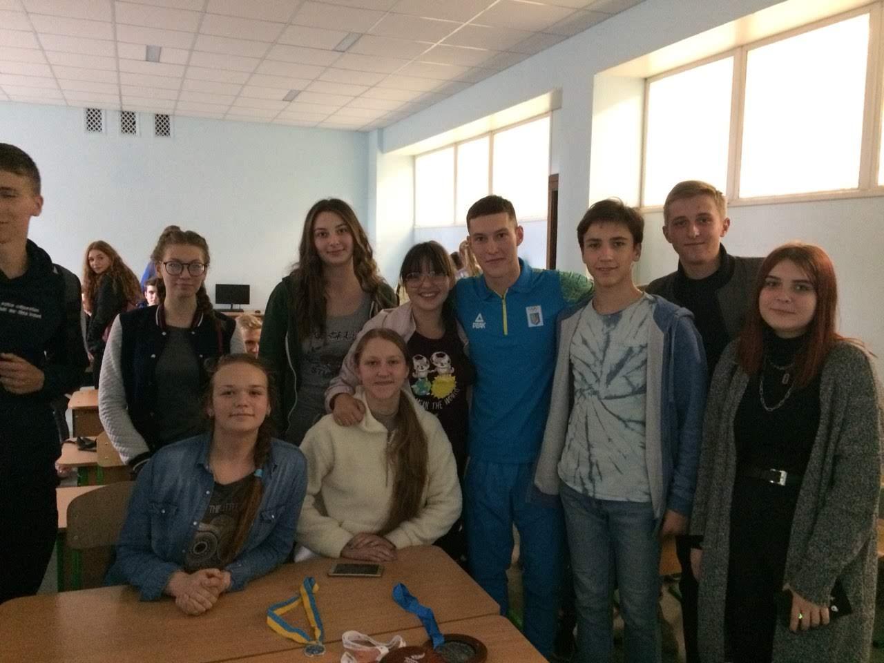 Як досягнути успіху. З учнями 9-11 класів зустрівся майстер спорту Антон Давиденко